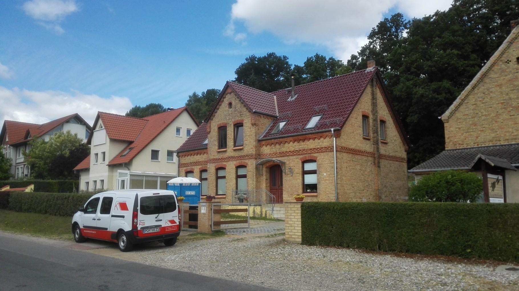 Dachdeckerei Krüger © 2018 - Fassadenbekleidung Faserzement